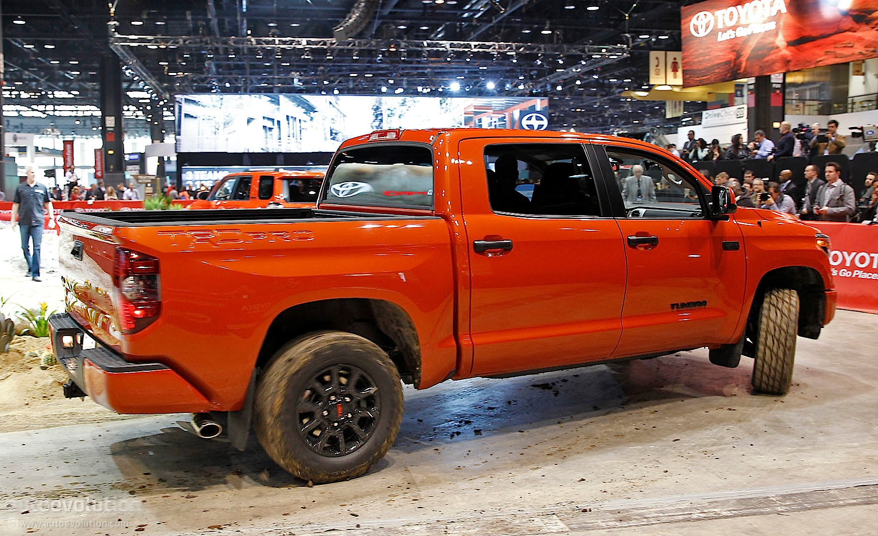 Toyota Tundra TRD Pro Details from 2014 Chicago [Live ...