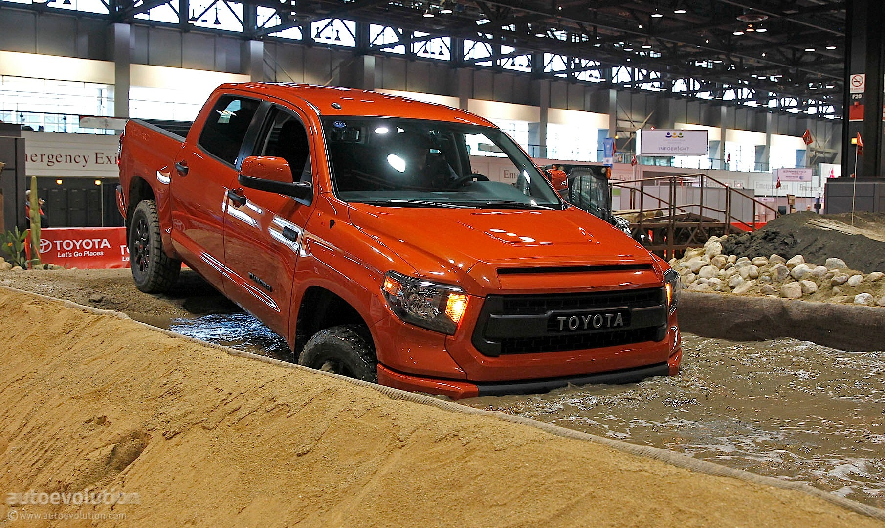 Toyota Tundra TRD Pro Gets Dirty in Chicago [Live Photos ...
