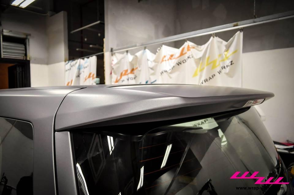 Toyota Vellfire Gets Dark Grey Wrap [Video][Photo Gallery]