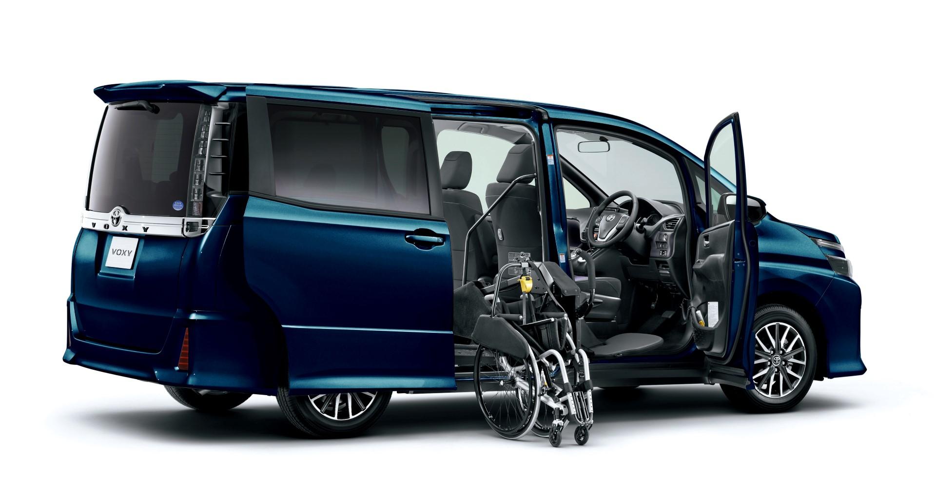 Elegant Auto Sales >> Toyota Voxy Specs and Prices [Video][Photo] - autoevolution