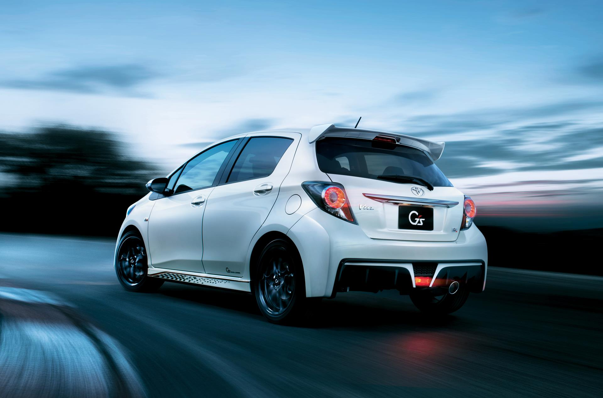 Nissan Maxima 2018 >> Toyota Yaris (Vitz) Gets Aygo-Style Facelift - autoevolution