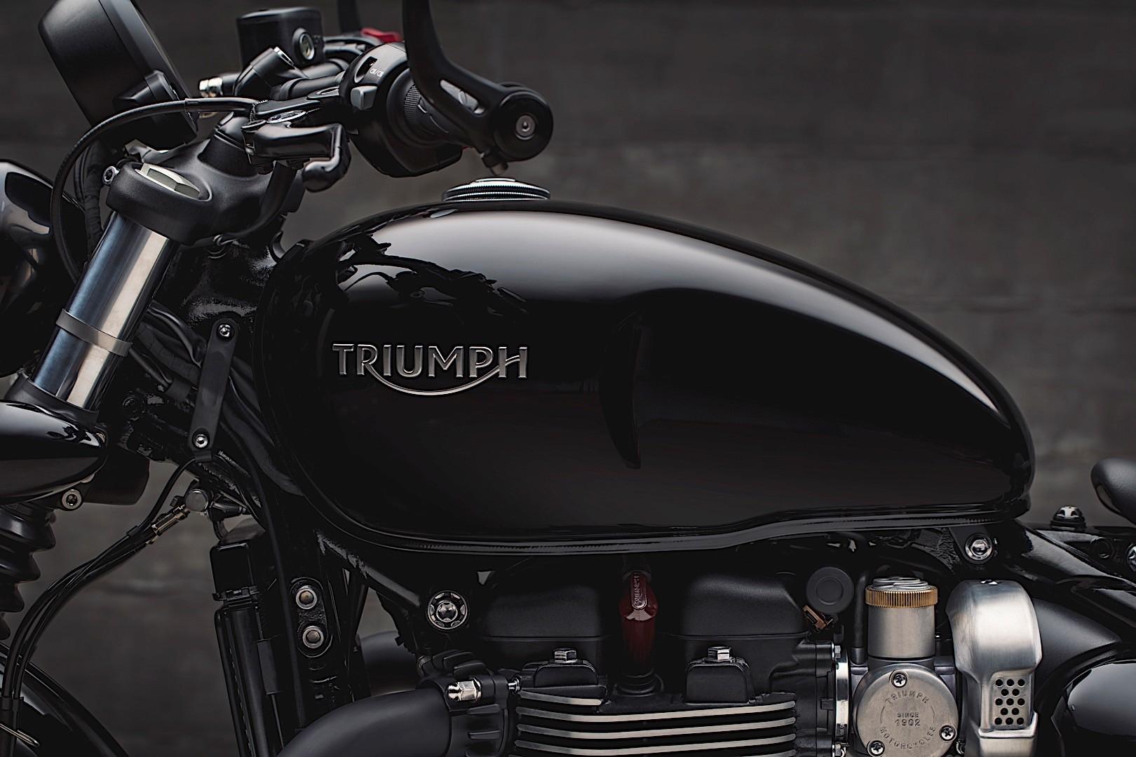 2018 triumph bonneville bobber black edition looks post. Black Bedroom Furniture Sets. Home Design Ideas