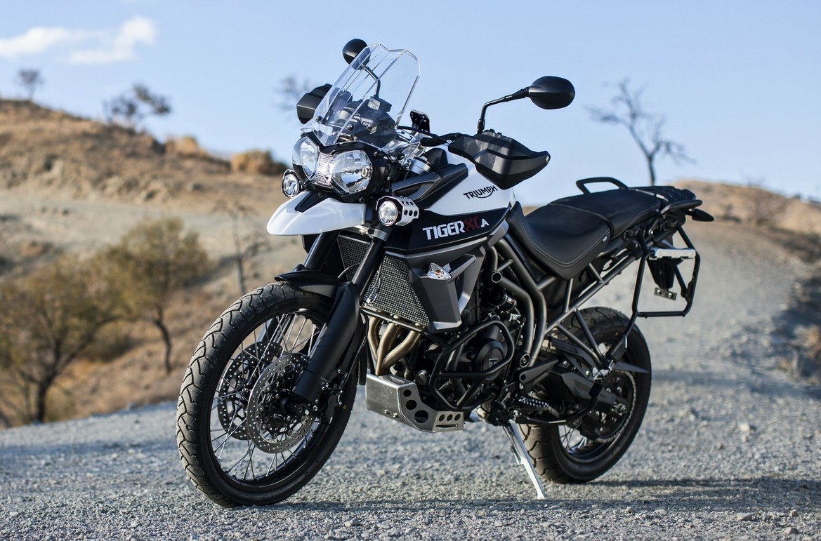 triumph expands tiger 800 line up with xrt and xca models autoevolution. Black Bedroom Furniture Sets. Home Design Ideas