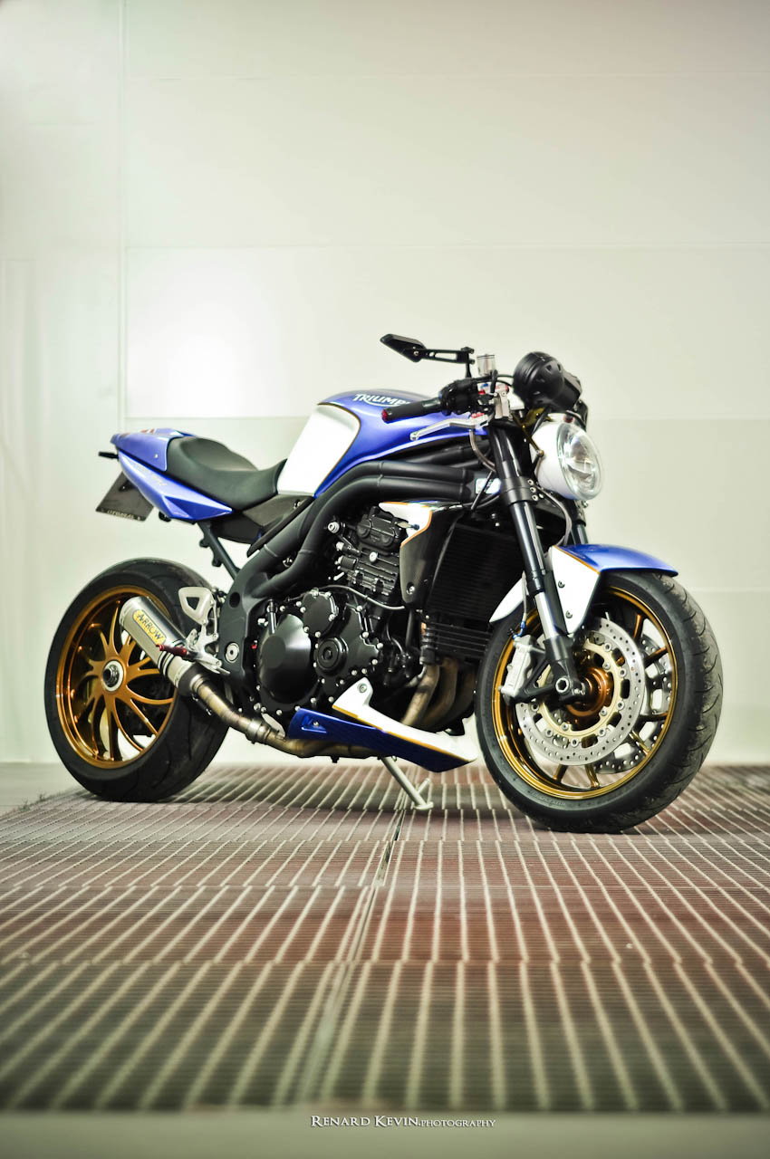 triumph speed triple 1050 by fcr autoevolution. Black Bedroom Furniture Sets. Home Design Ideas