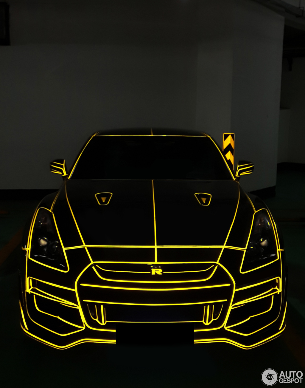 Tron Nissan Gt R Appears On The Chinese Grid Autoevolution