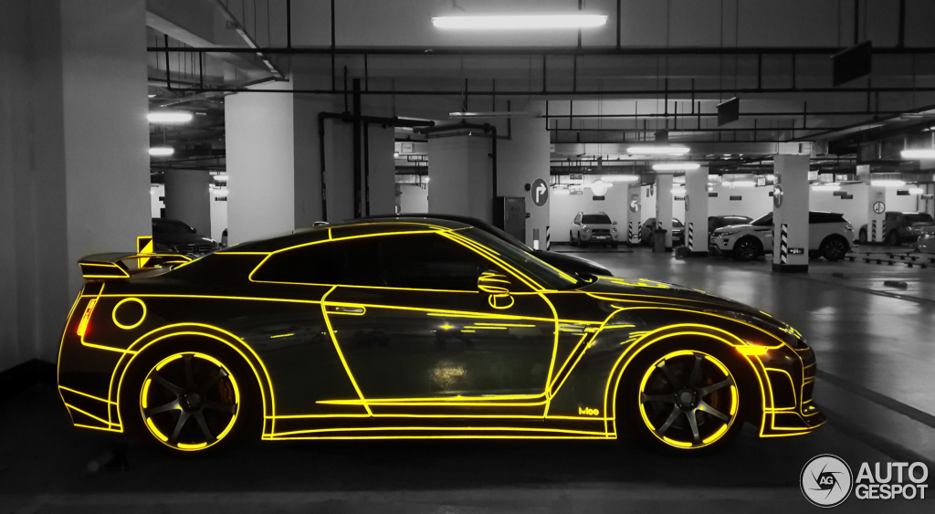 tron nissan gt-r appears on the chinese grid