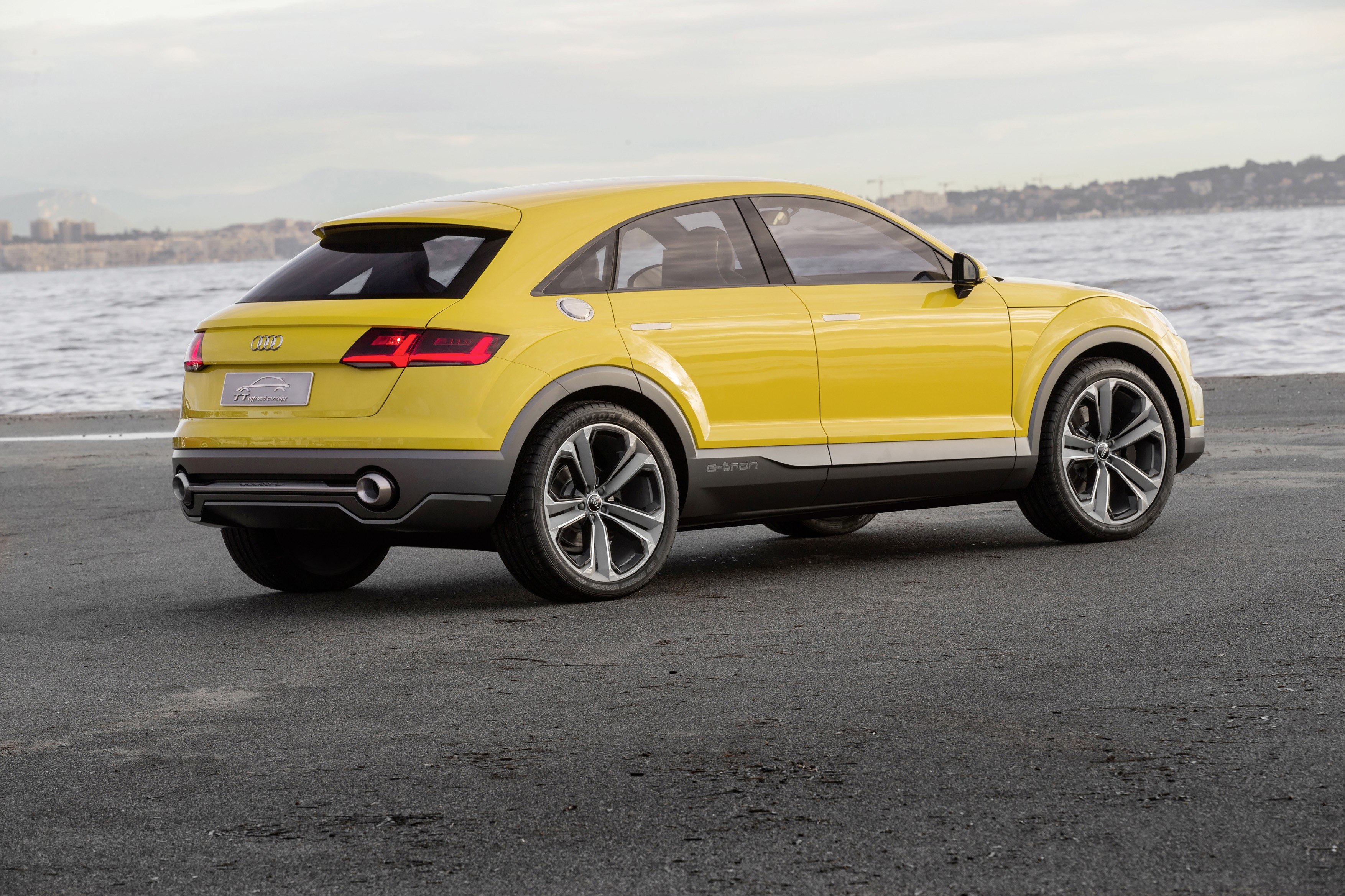 TTrio: Audi TT Coupe, Offroad and Sportback Joined in ...