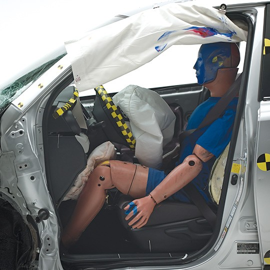 Bmw Xdrive Problems: IIHS Finds Out That Certain Automakers Cheat In The Small