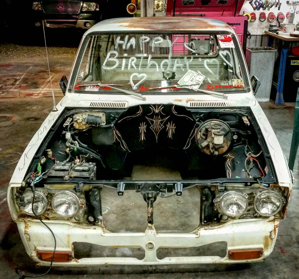 1977 Toyota Pickup Receives Turbocharged LS1 V8 And Crown