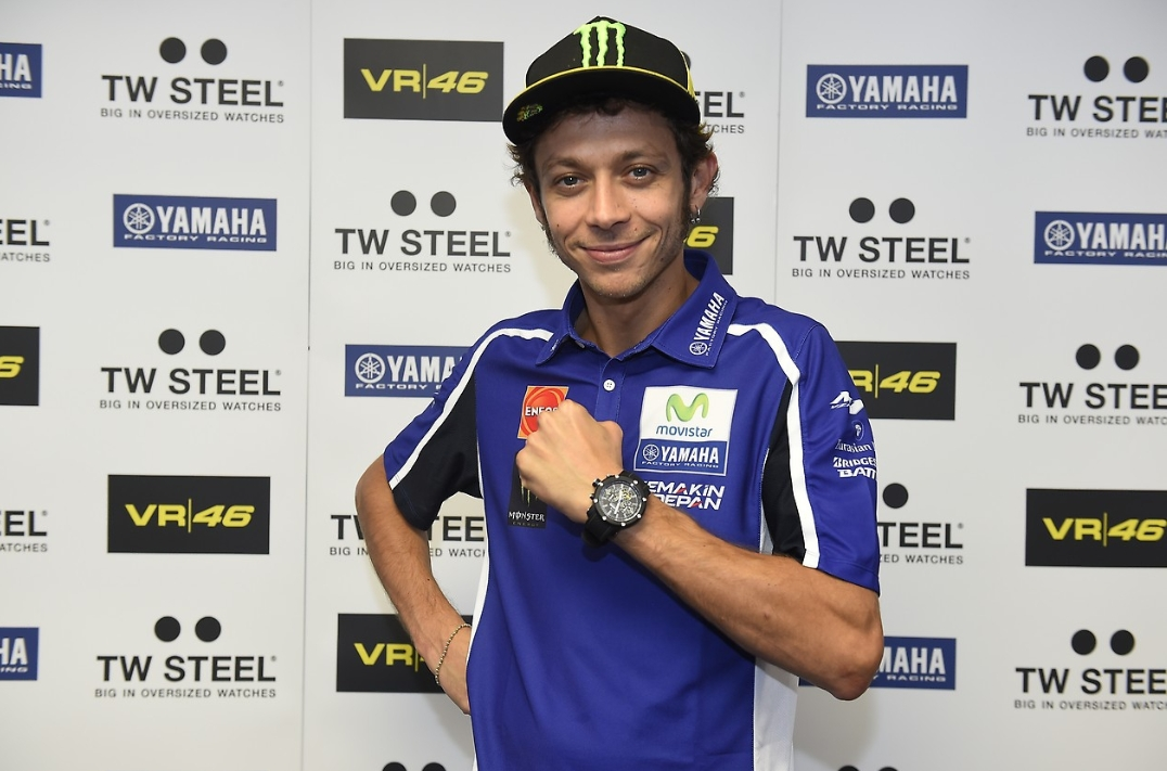 Tw Steel Vr 46 Yamaha Watches Look Smashing Autoevolution