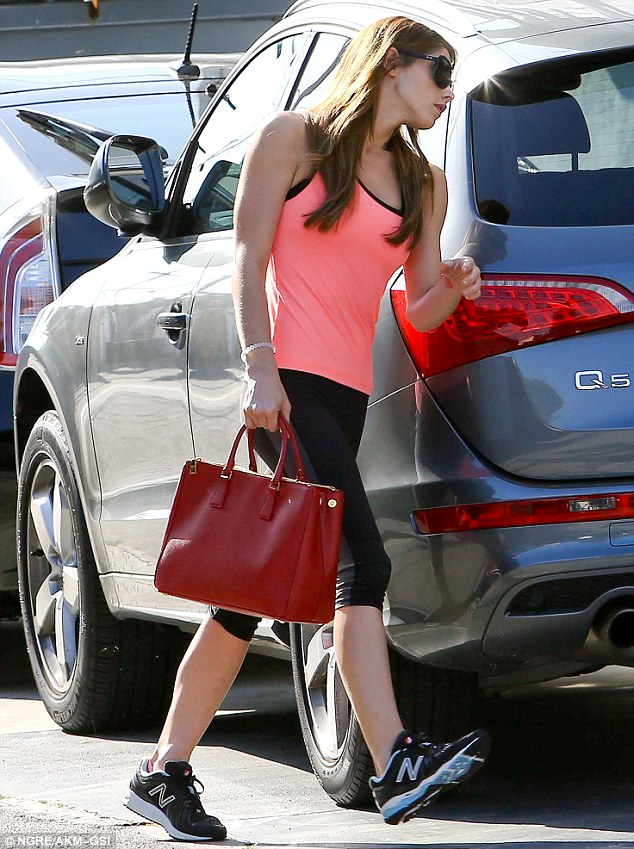 Five Star Auto Sales >> Twilight Star Ashley Greene Is all About Audis - autoevolution