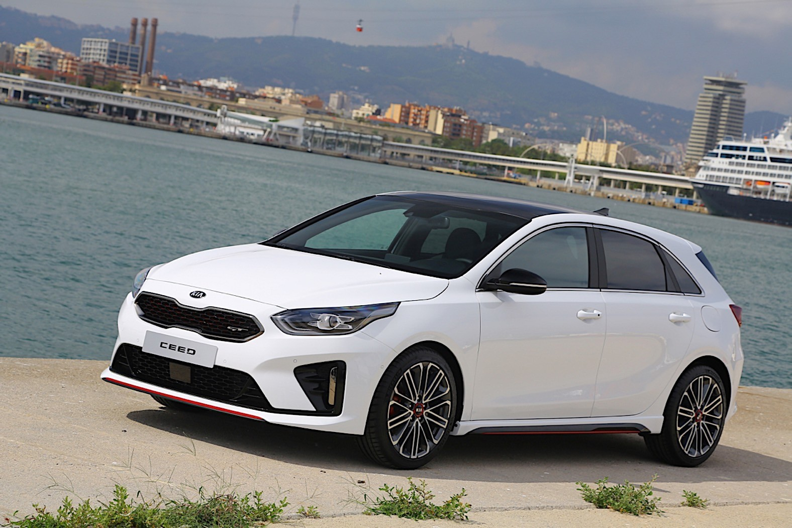 uk spec kia ceed gt priced from 25 535 pounds autoevolution. Black Bedroom Furniture Sets. Home Design Ideas
