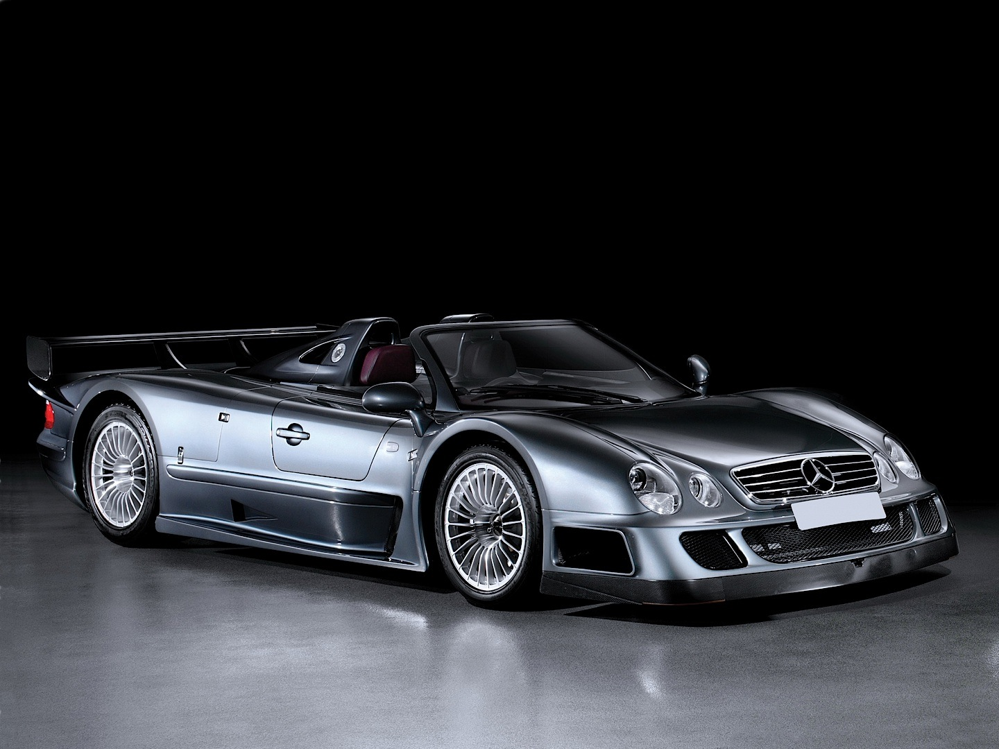 ultra rare clk gtr roadster up for sale autoevolution. Black Bedroom Furniture Sets. Home Design Ideas