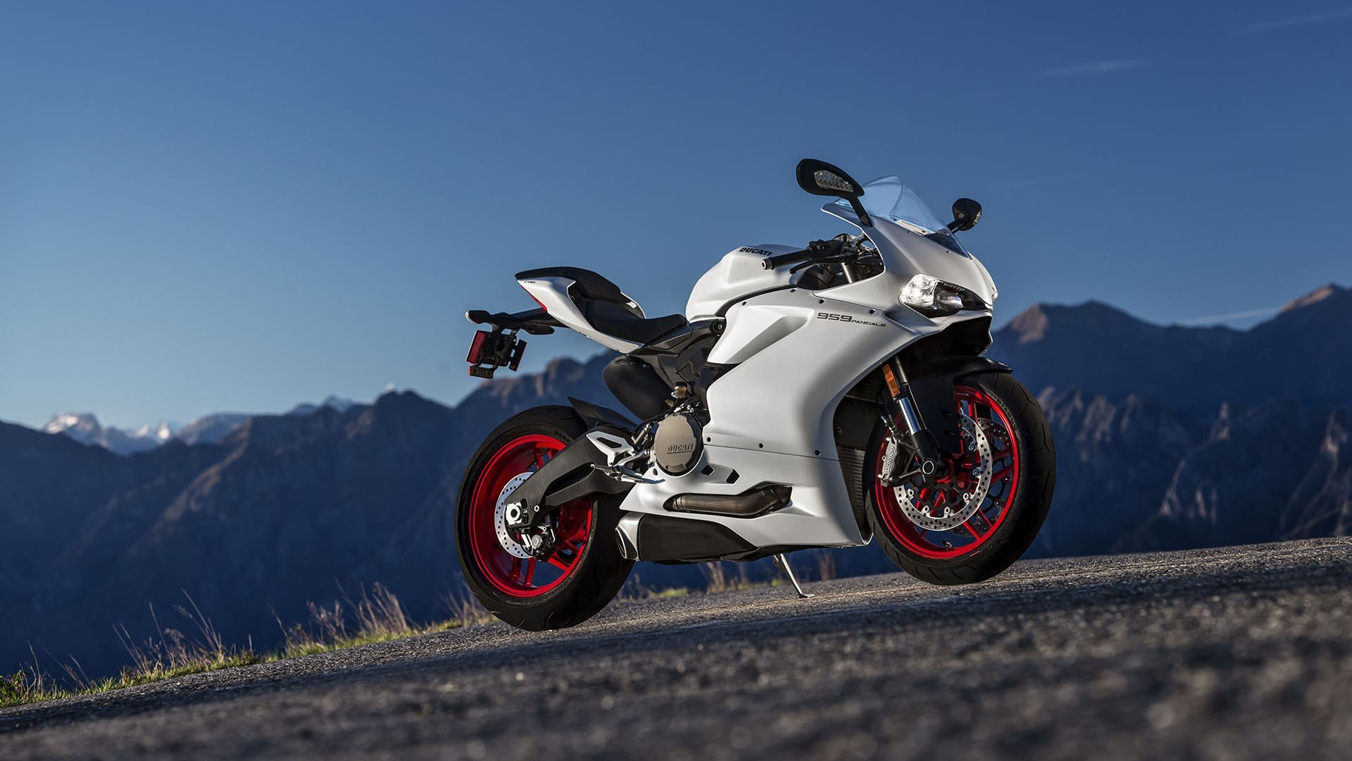 Unique Ducati Panigale V4S Motorcycles to Sell on eBay After Race of