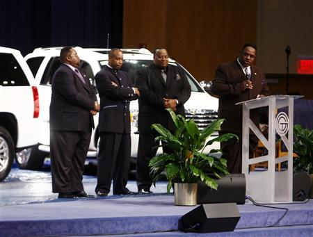 Unusual Service For Detroit Auto Makers At Greater Grace