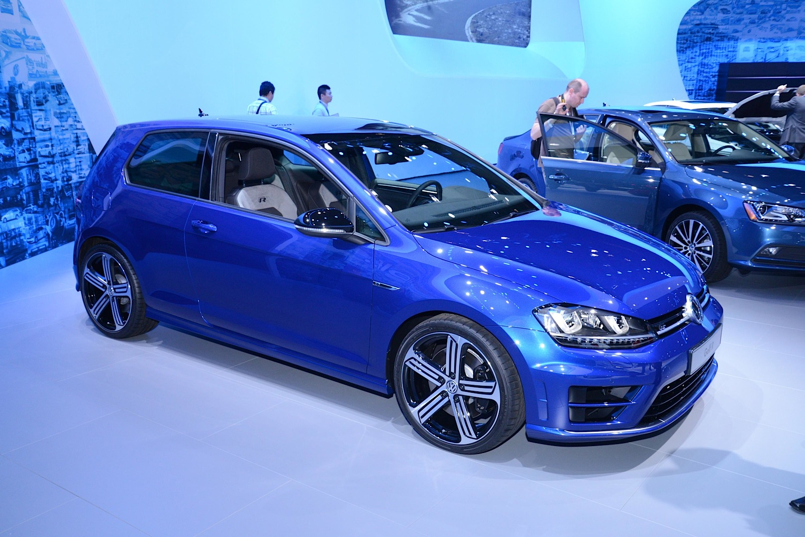 Updates 2015 VW Jetta Joins New Golf GTI and R in New York Live
