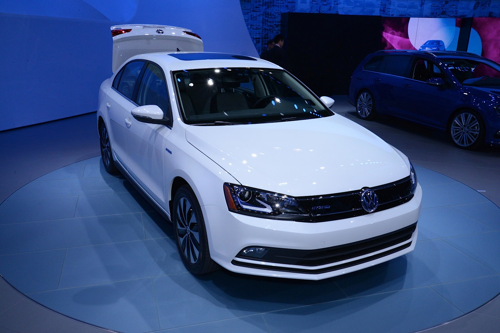 Updates 2015 VW Jetta Joins New Golf GTI and R in New York [Live Photos] - autoevolution
