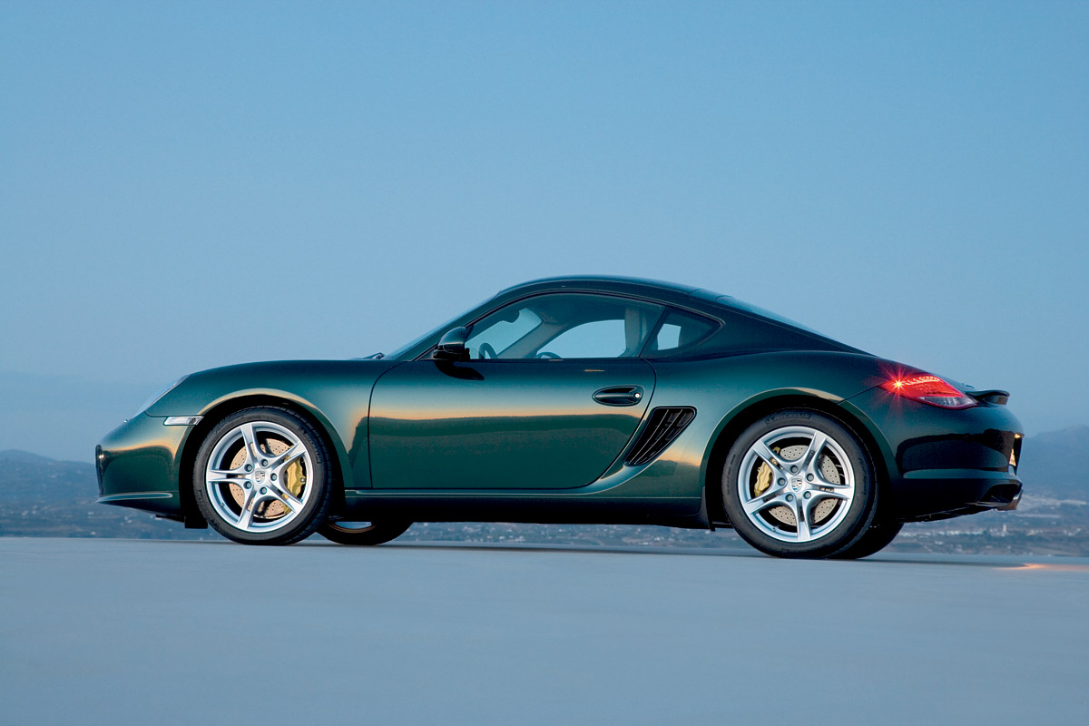 upgraded porsche cayman boxster make their debut autoevolution. Black Bedroom Furniture Sets. Home Design Ideas