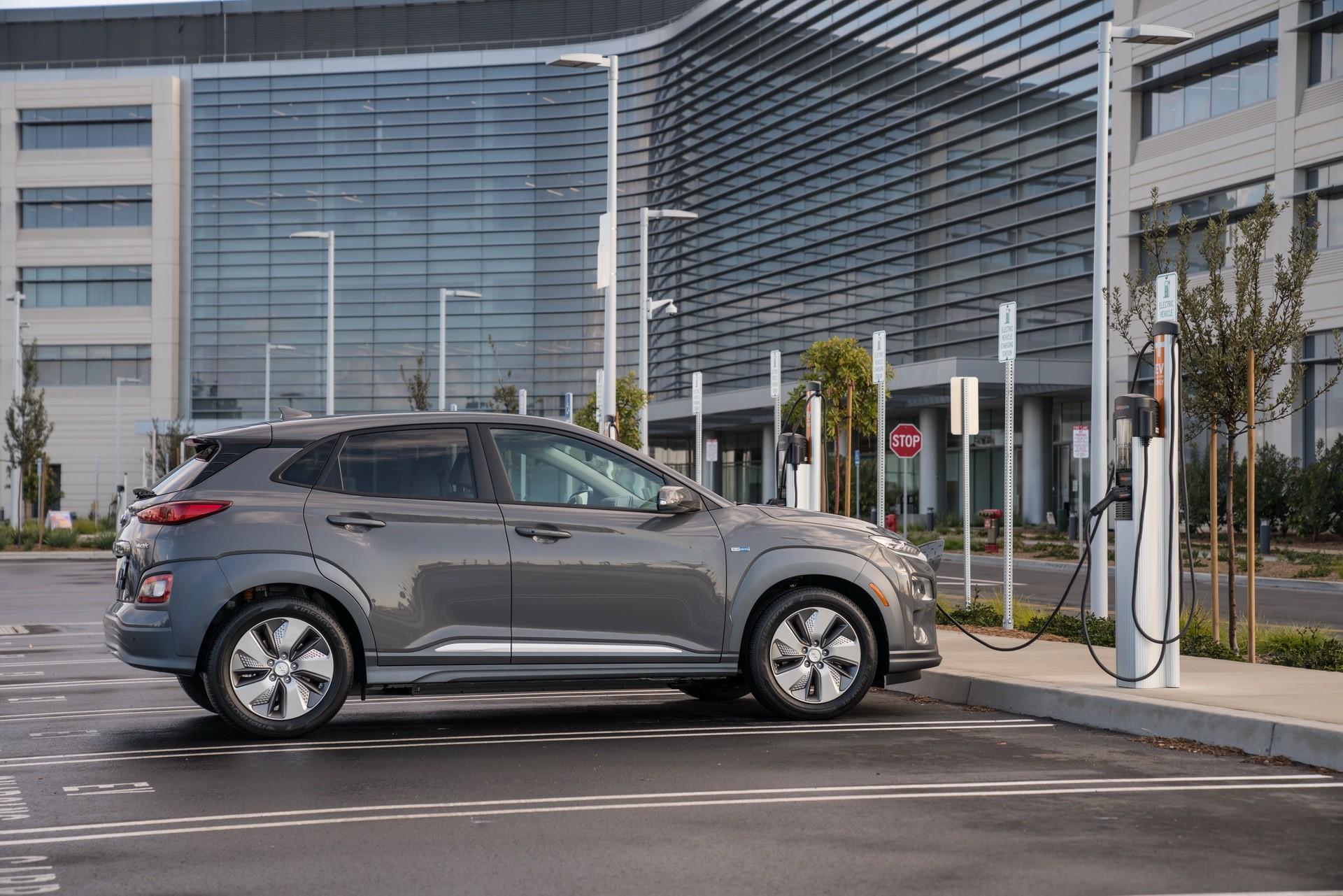 Hyundai Kona Electric Debuts In New York Promises 250 Mile Range