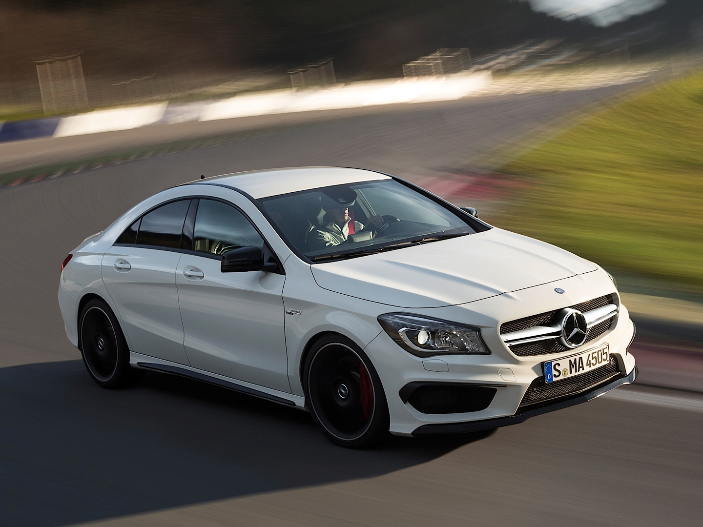 Us bound cla gets its own video on youtube autoevolution for Best looking mercedes benz models