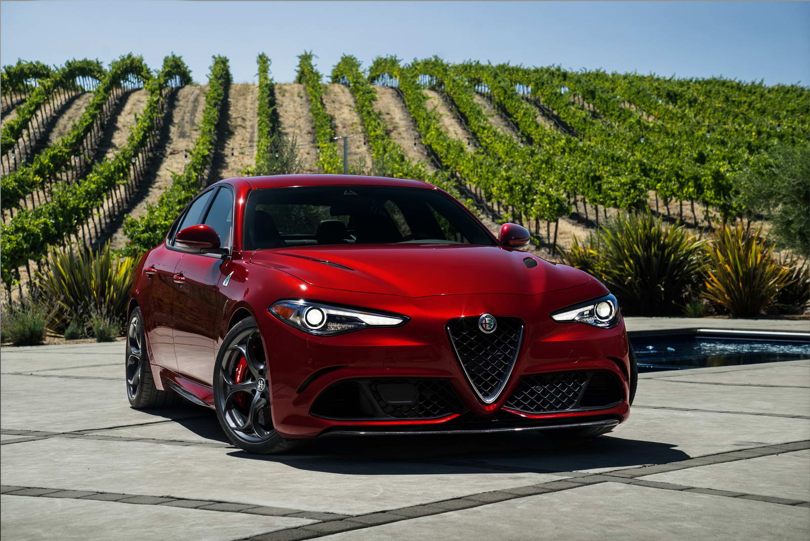 Alfa romeo giulia 2016 engine sound