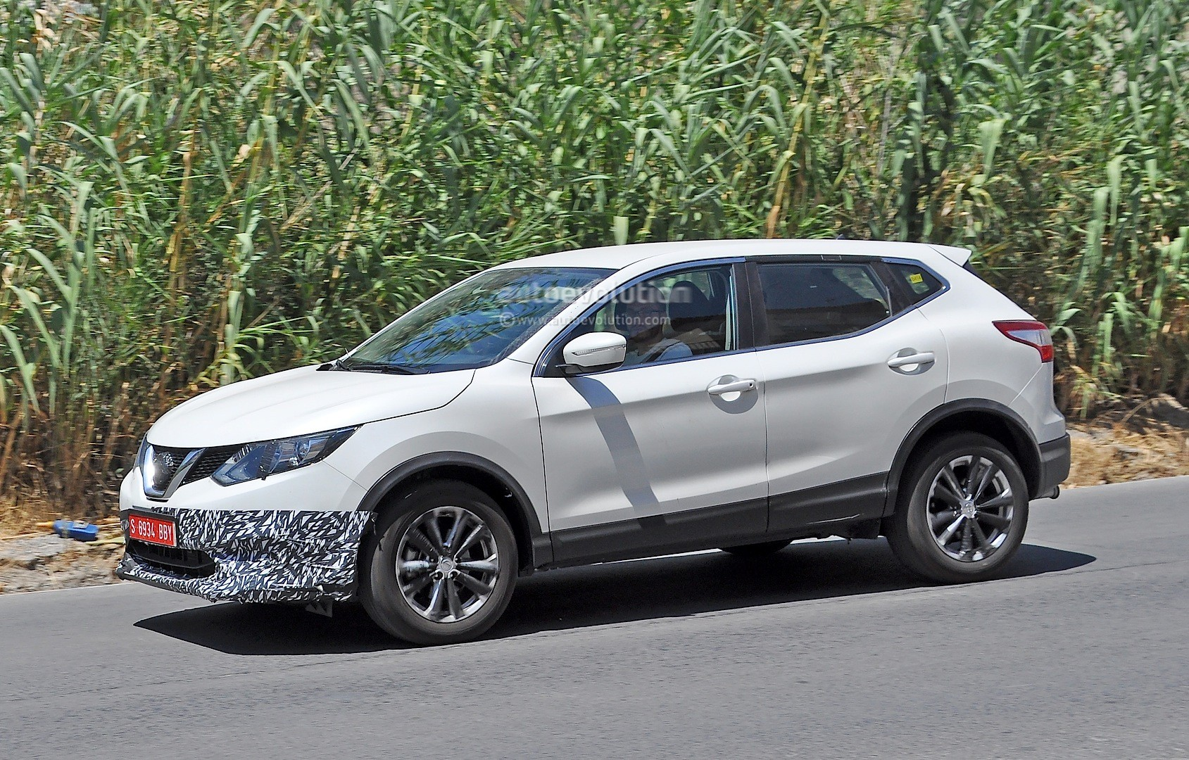Us Spec Nissan Qashqai Spied Testing In Spain With Manlier Styling