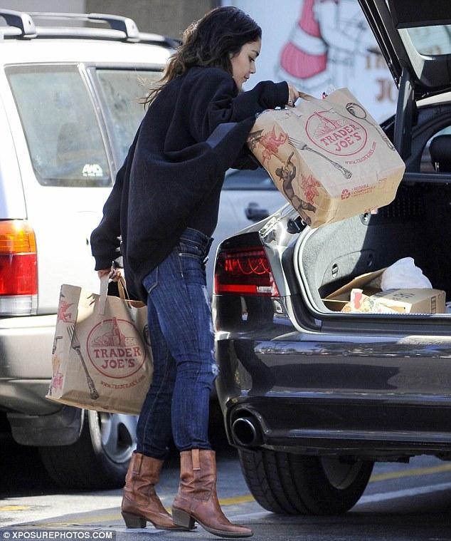 Vanessa Hudgens Refuels Boyfriend Zac Efron Waits Inside