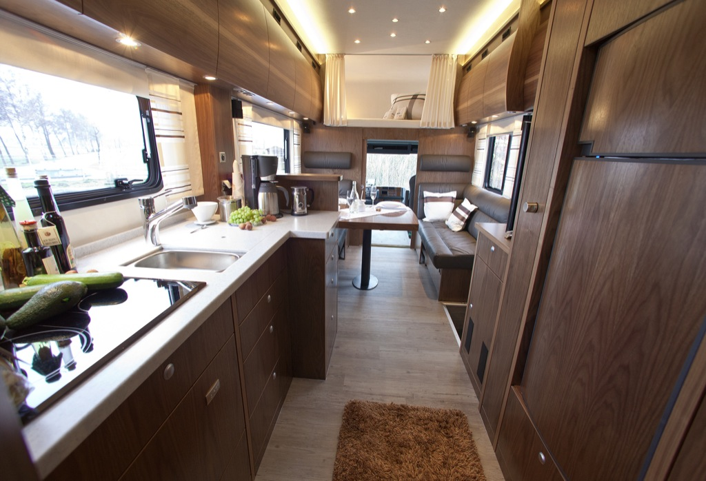 Vario Alkoven 950 Motorhome With Motorcycle Garage