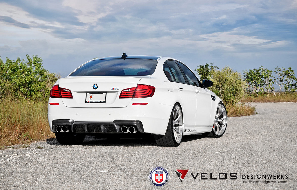 Velos BMW M5 on HRE Wheels - Photo Gallery - autoevolution