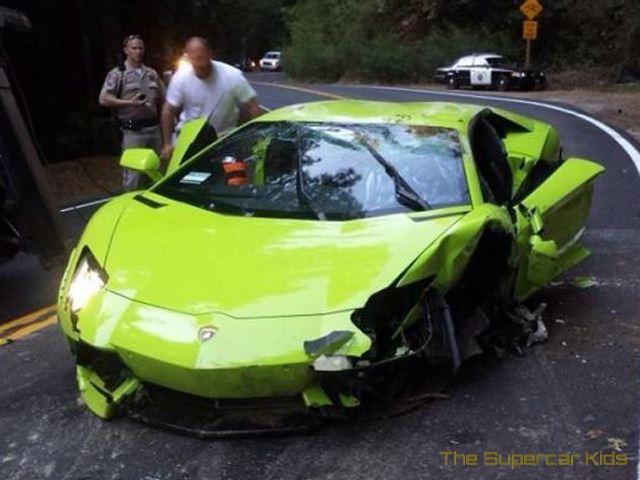 Verde Scandal Lamborghini Aventador Flips Over In