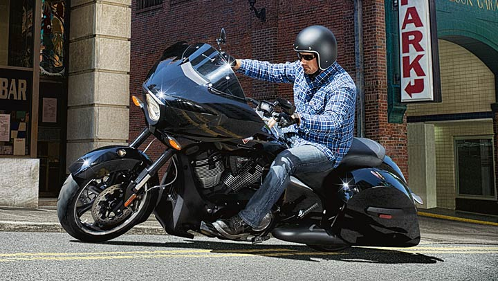 Victory Shows the 2014 Cross Country 8-Ball - autoevolution