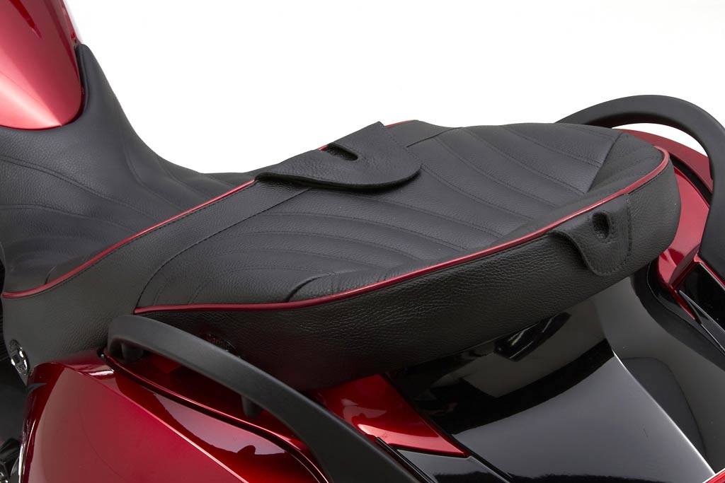 Corbin Dual Tour Seat For Victory Vision