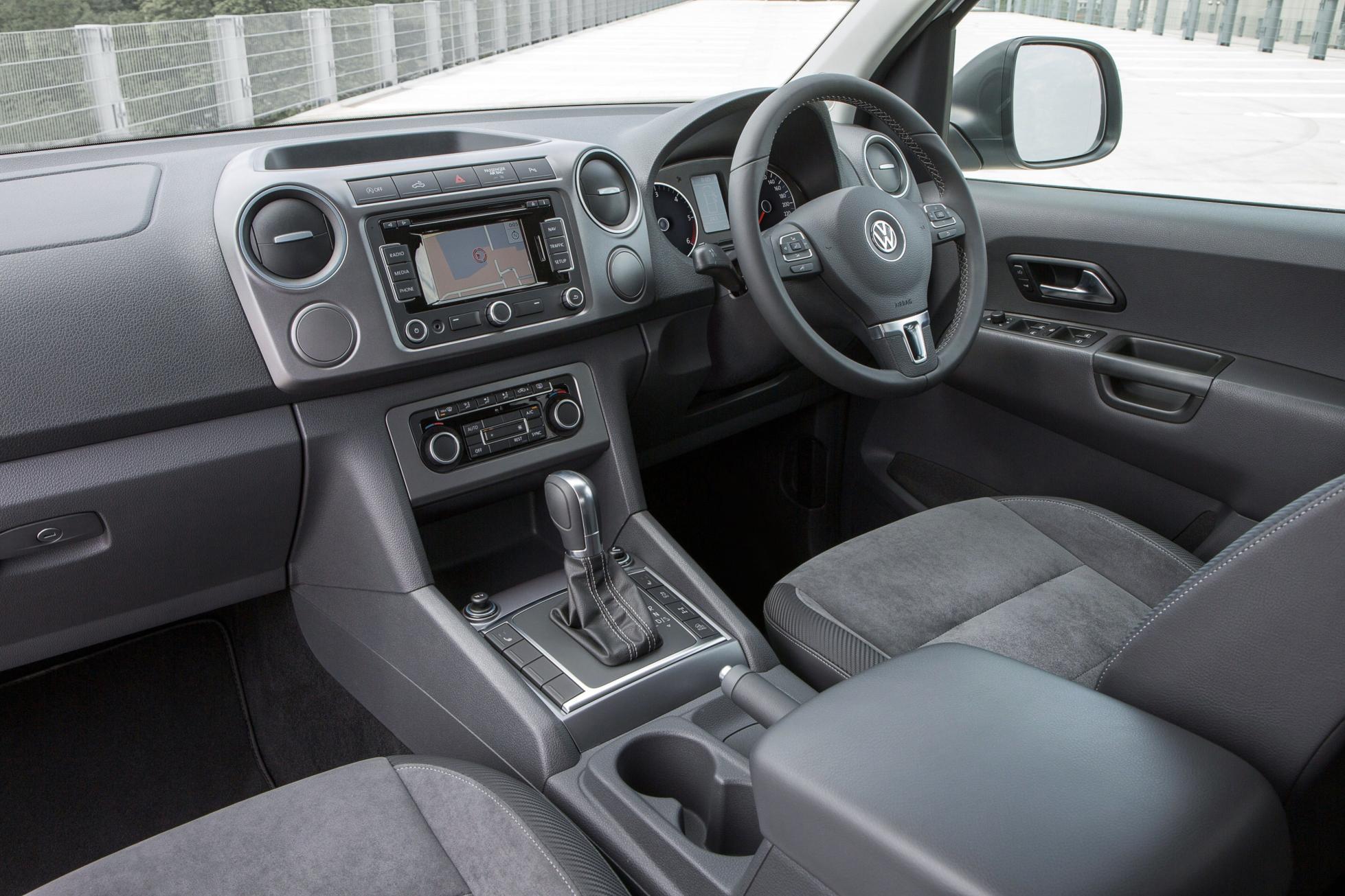 Volkswagen Amarok Dark Label Priced in the UK from £26,125 - autoevolution