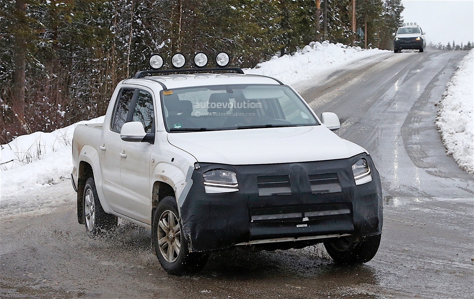 2017 volkswagen amarok spied testing in winter conditions. Black Bedroom Furniture Sets. Home Design Ideas