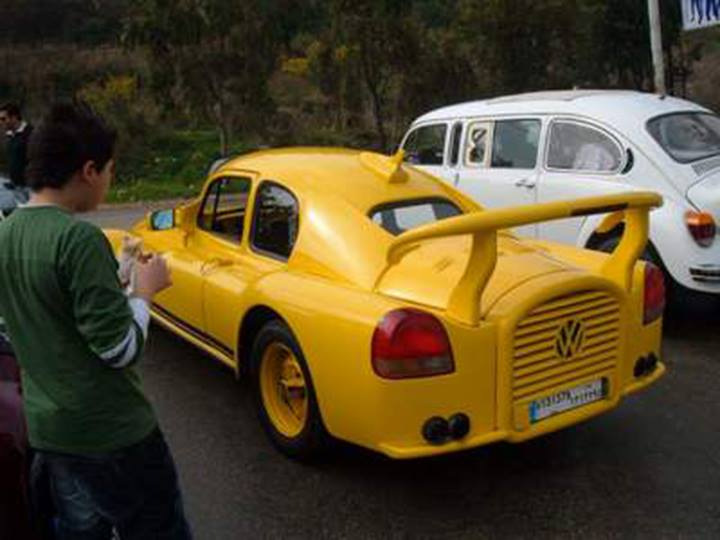 Volkswagen Beetle Impersonating a Porsche 911 Is Downright Offensive - autoevolution