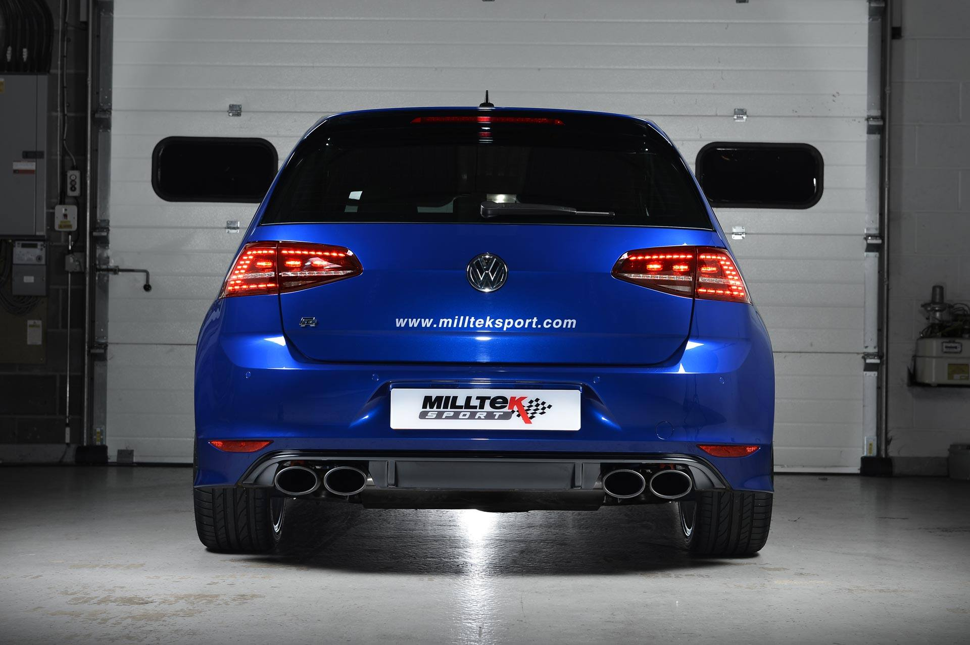 volkswagen golf 7 r gets sports exhaust system from. Black Bedroom Furniture Sets. Home Design Ideas