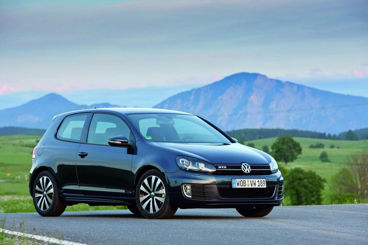 volkswagen golf gtd launched new photo gallery. Black Bedroom Furniture Sets. Home Design Ideas