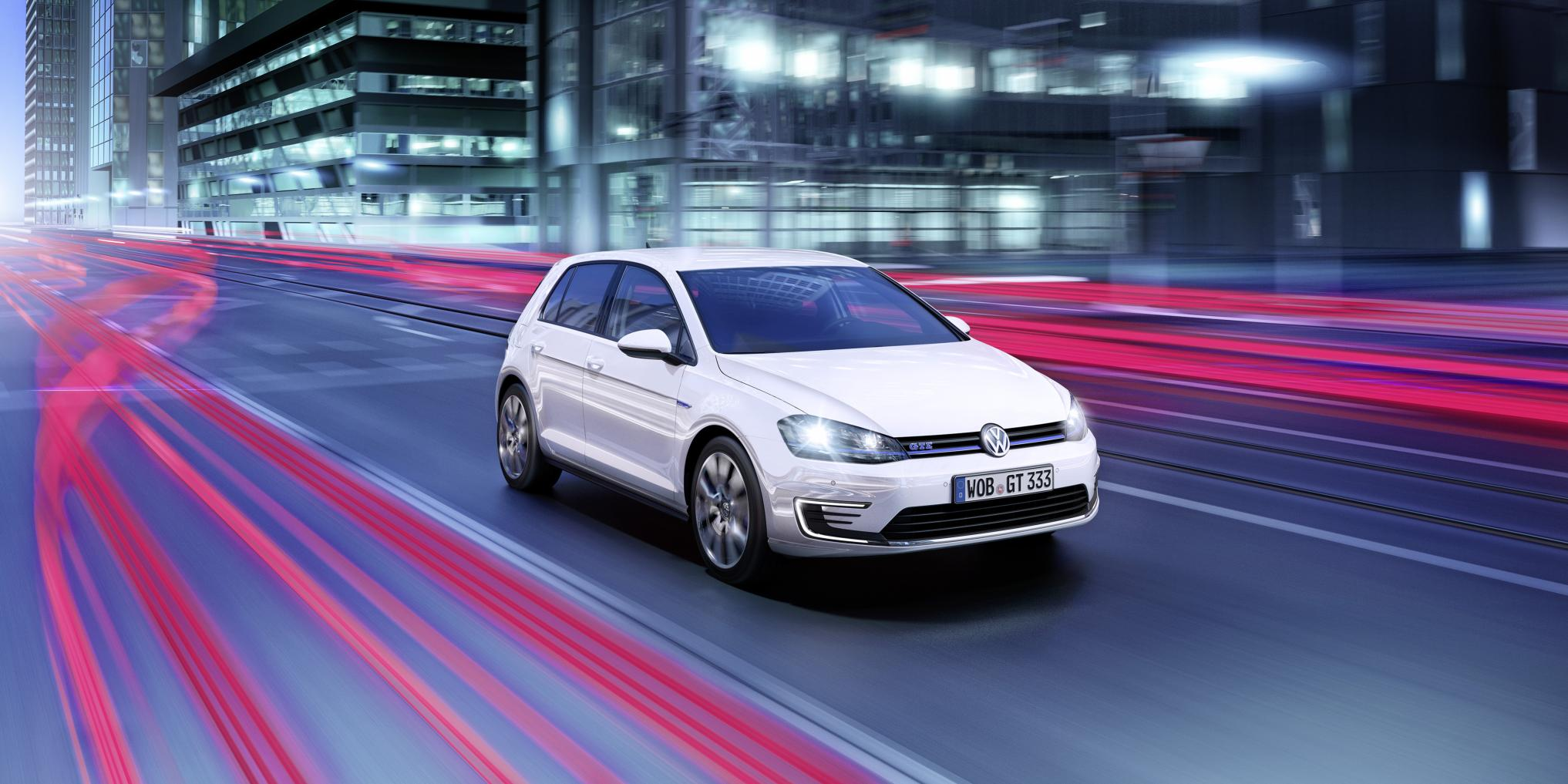 volkswagen golf gte revealed ahead of geneva 2014. Black Bedroom Furniture Sets. Home Design Ideas
