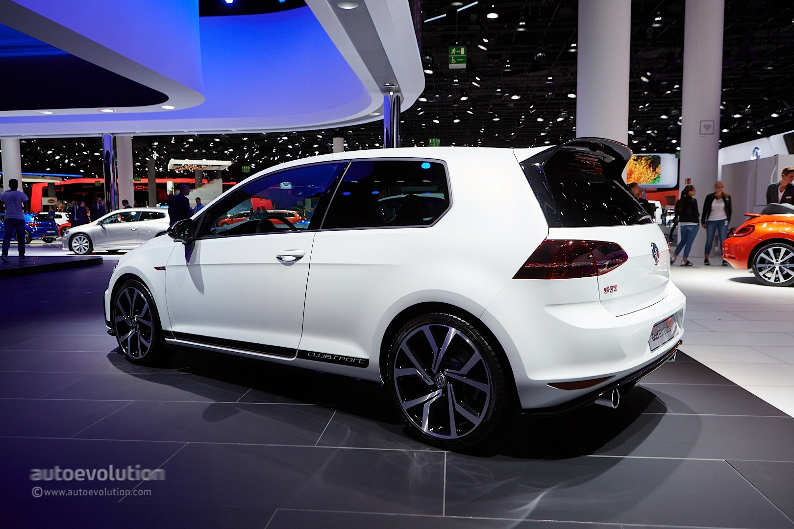 volkswagen golf gti clubsport debuts at the frankfurt. Black Bedroom Furniture Sets. Home Design Ideas