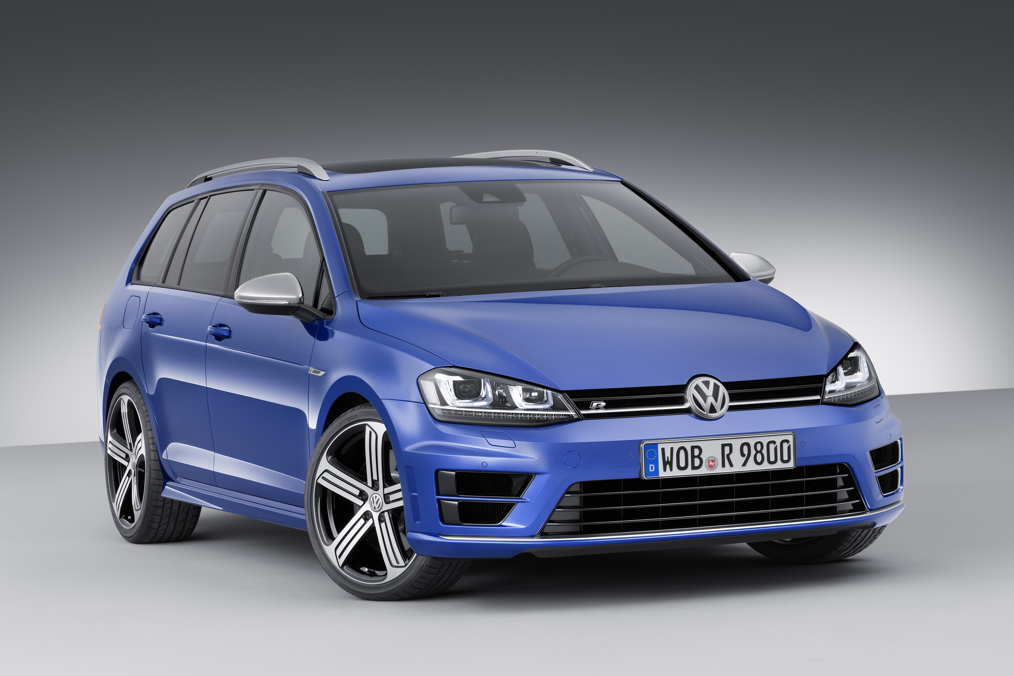 Volkswagen Golf R Variant Priced At 43 000 Goes On Sale
