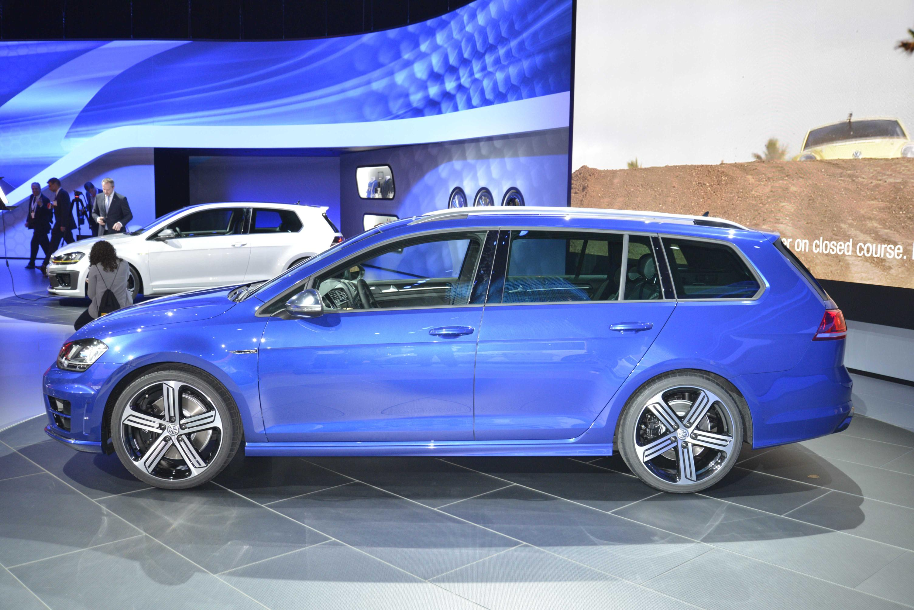 Volkswagen Golf Variant Goes From Hydrogen Green to R Performance Blue in LA [Live Photos ...