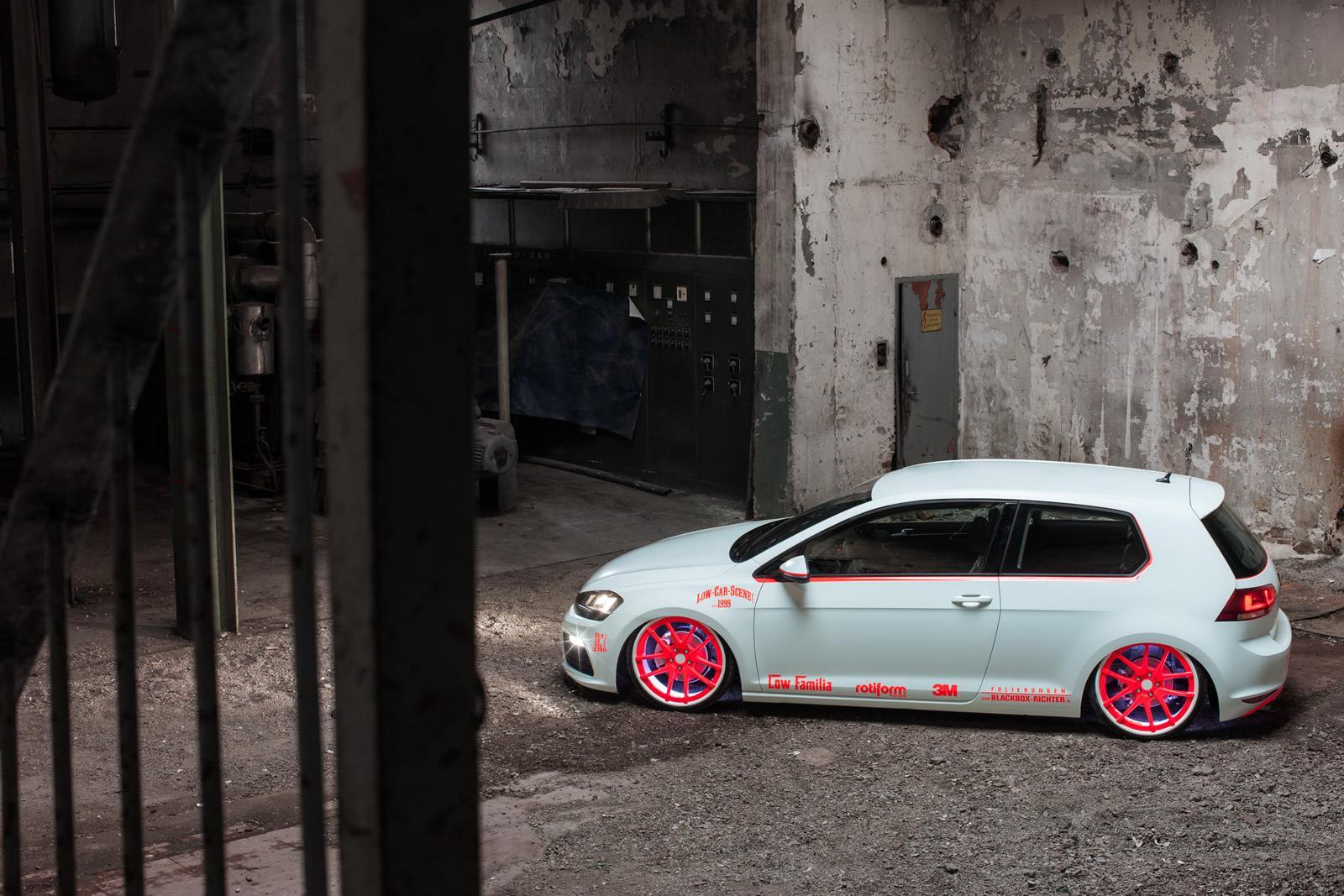 Volkswagen Golf Vii Gets Light Tron Treatment Video