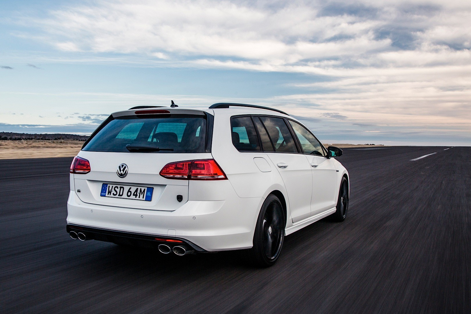 Volkswagen Cars - News: VW introduces Wolfsburg Edition on Golf R