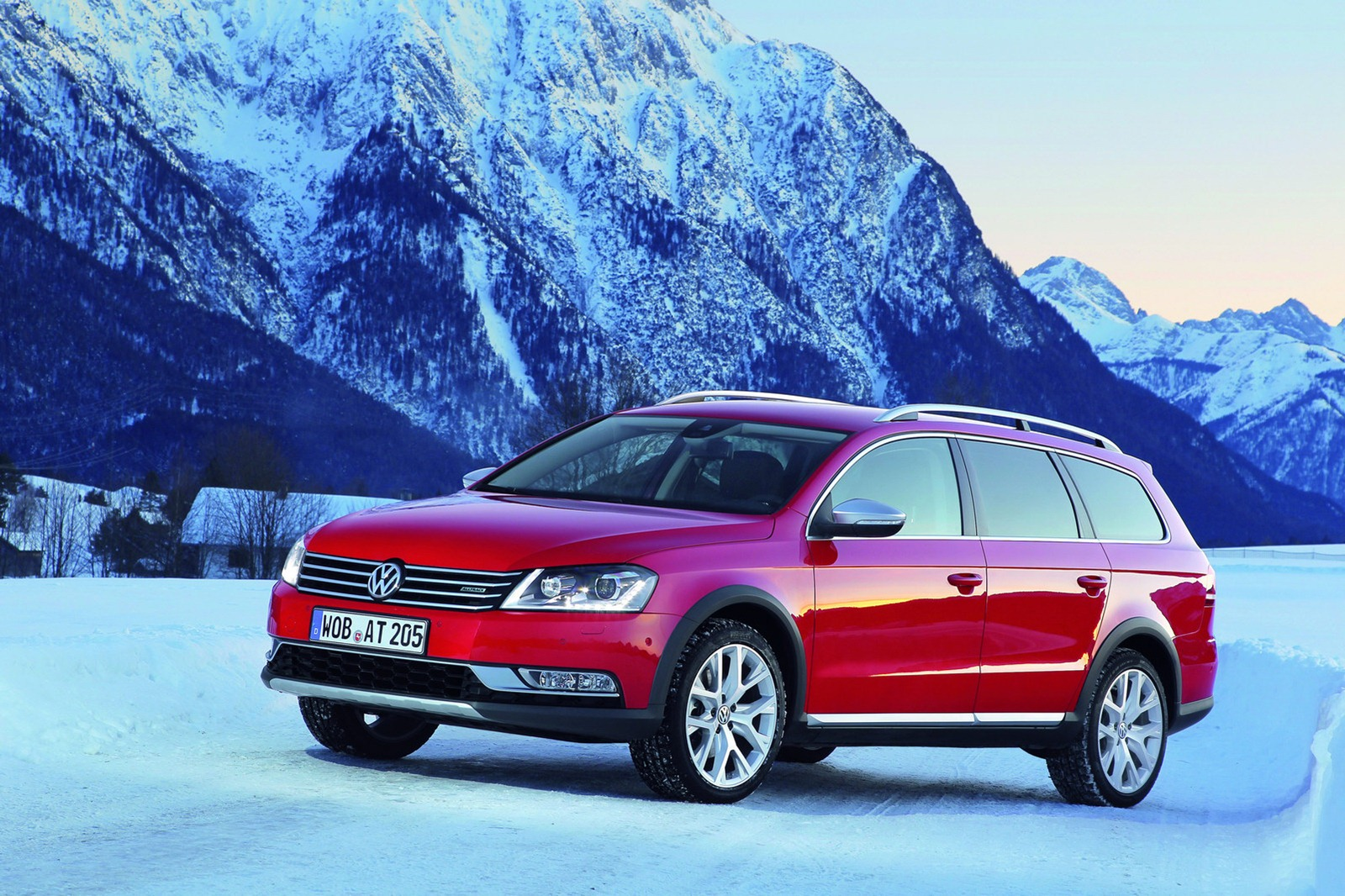 volkswagen launches passat alltrack new photos released autoevolution. Black Bedroom Furniture Sets. Home Design Ideas