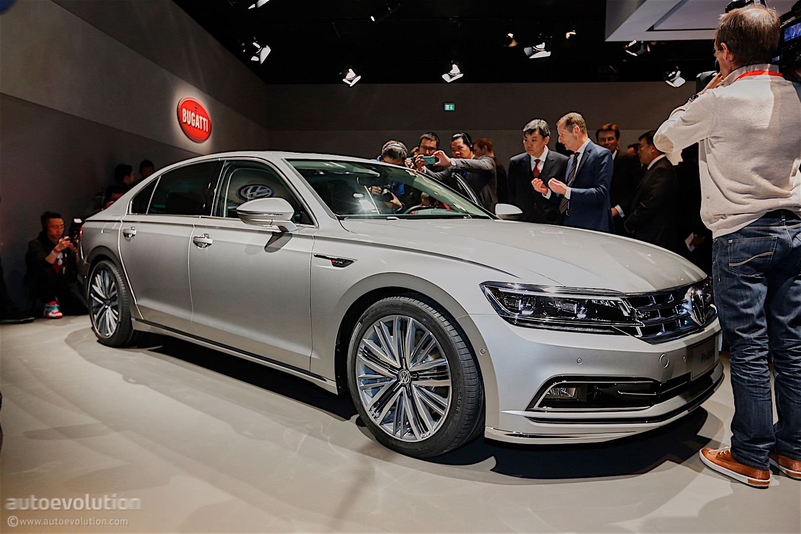 2016 volkswagen phideon revealed to europeans will be sold in china autoevolution. Black Bedroom Furniture Sets. Home Design Ideas
