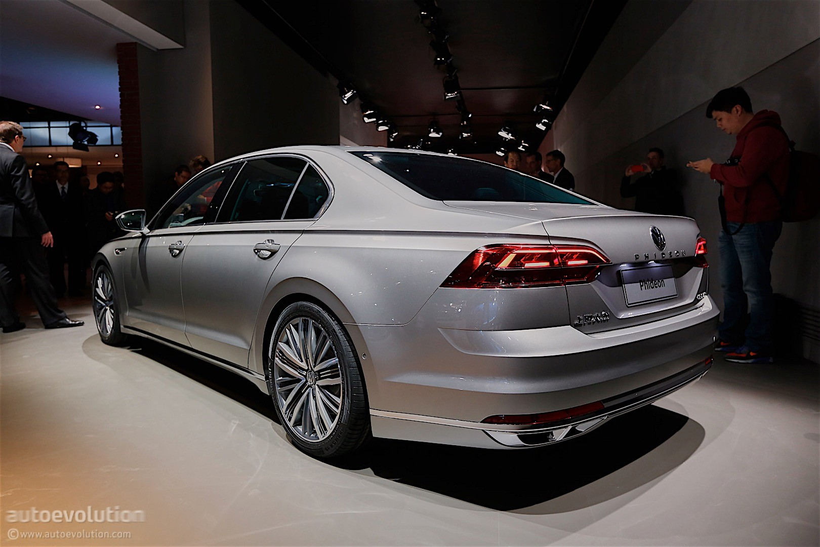 2016 Volkswagen Phideon Revealed to Europeans, Will Be Sold in China - autoevolution