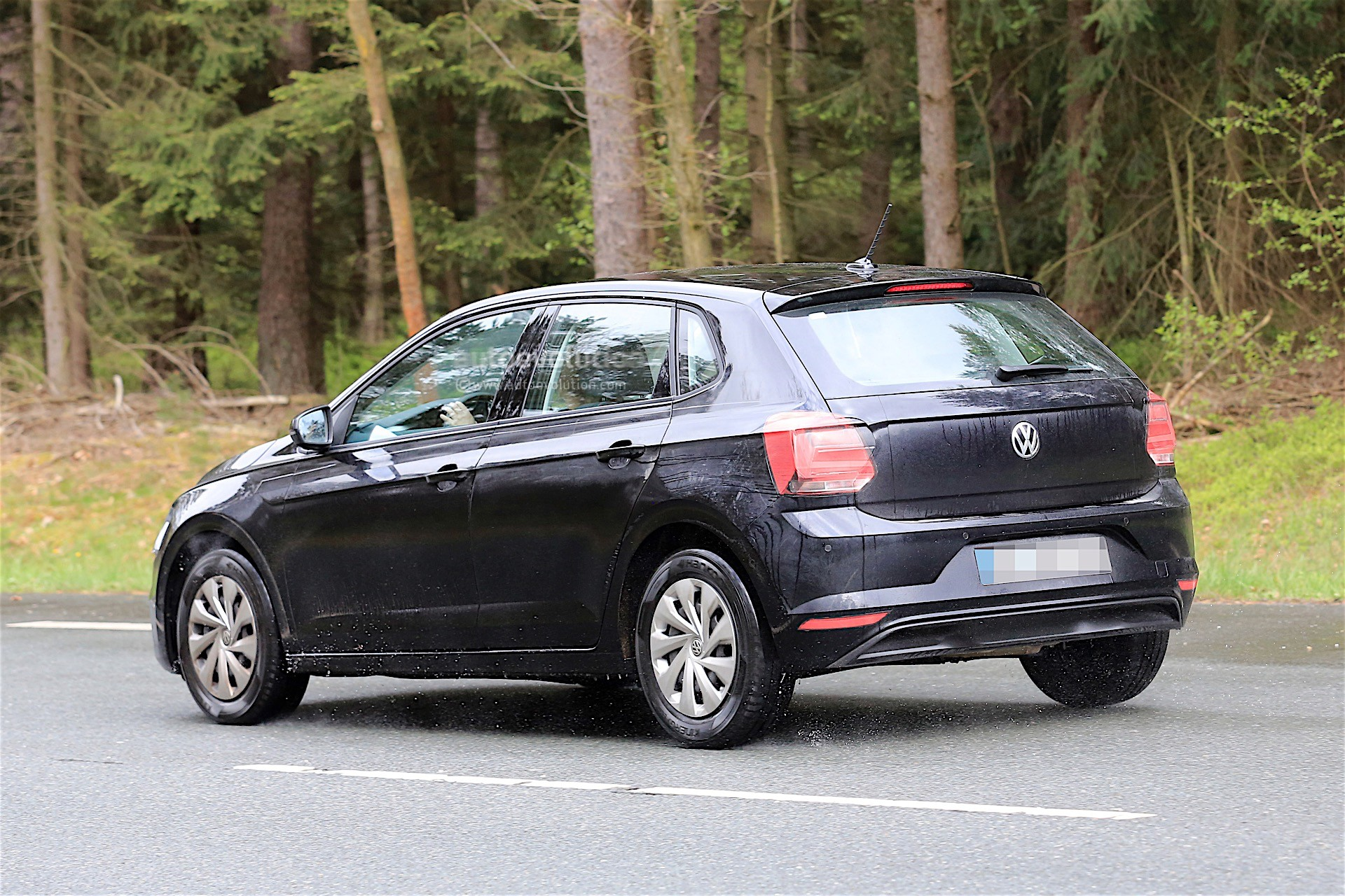2018 Volkswagen Polo Spied Without Any Camouflage Looks