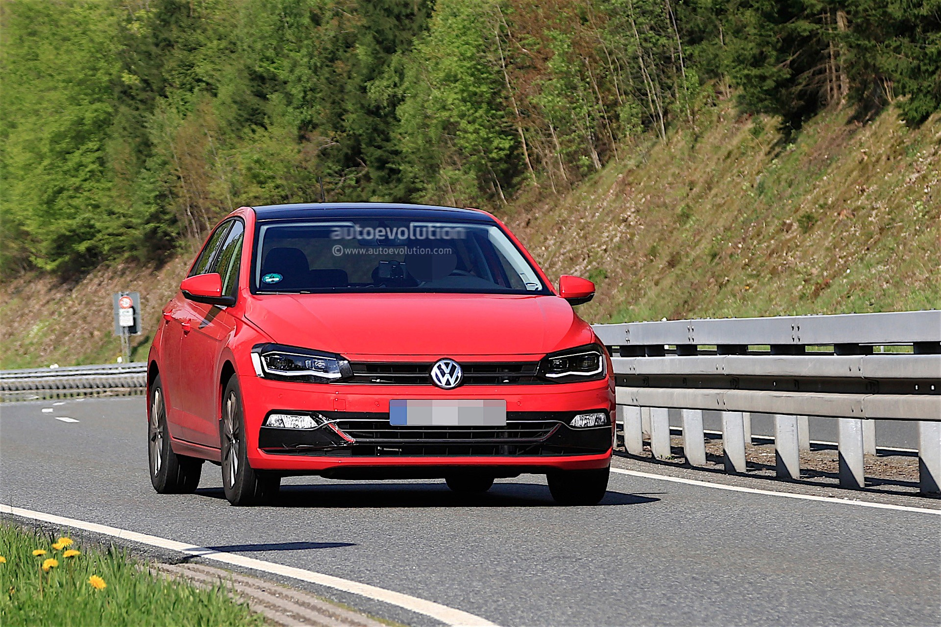 2018 Volkswagen Polo Spied Without Any Camouflage, Looks ...
