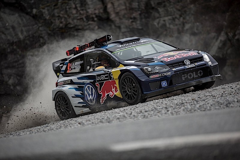 Volkswagen Rally Driver Races World Skiing Champion in Norway - autoevolution