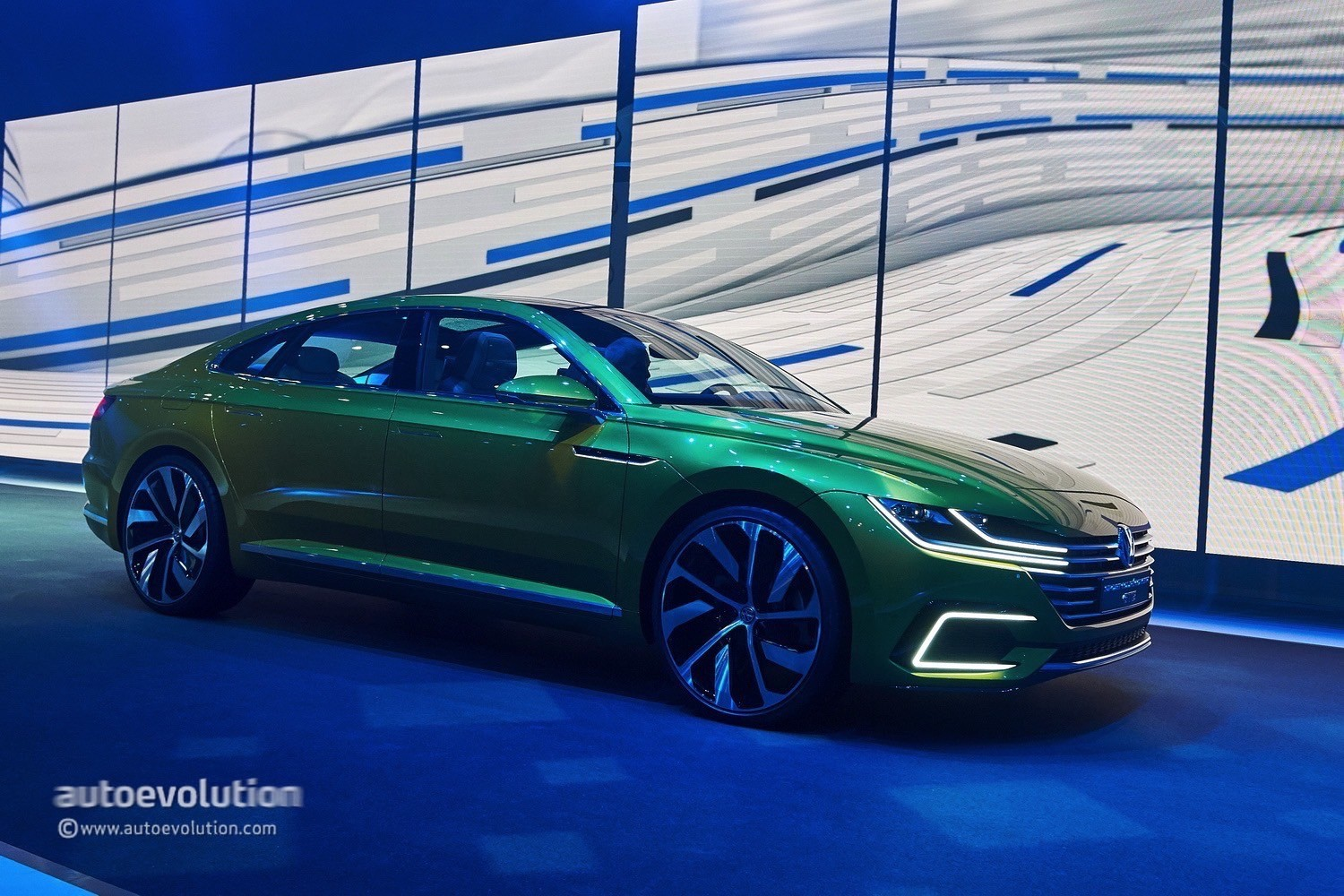 volkswagen coupe arteon concept vw gte shooting brake door four seat awd turbo could revealed v6 hybrid version autoevolution rendering